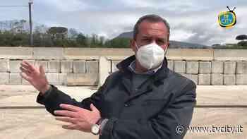 """De Magistris a Torre del Greco: """"Abbiamo tolto balle di rifiuti"""" - VIDEO - Tvcity"""