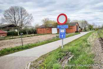 Fietser in Puurs-Sint-Amands knijpt in billen van vrouwen en masturbeert in het openbaar - Het Nieuwsblad