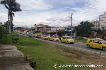 Gremio de taxistas se mantienen en protesta por Fusagasugá, Cundinamarca - Noticias Día a Día