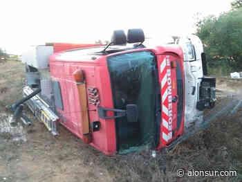 Vuelca un camión de bomberos en El Viso del Alcor resultando herido leve su conductor - Aionsur