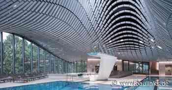 Bewegter Badehimmel in Salzburg aus Keramikdeckenziegeln von Tonality