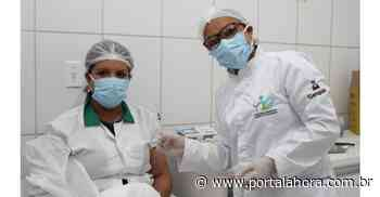 Garopaba imuniza profissionais da Saúde com registro profissional ativo em SC; cadastro para quem não fez, deve ser efetuado até esta quinta - Portal AHora