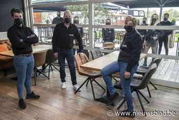 """Negenkoppig team klaar om van wal te steken met brasserie Pont Deux: """"Aan de kaai is het altijd vakantie"""""""