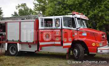 Bomberos trabajaron en el incendio de un automóvil en el barrio Lujan - Infoeme
