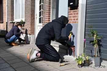 Leerlingen Don Bosco leggen geveltuintjes aan in Lageweg - Gazet van Antwerpen
