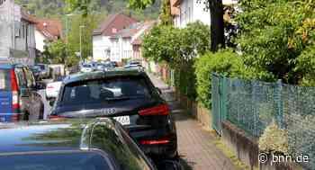 Falschparker auf den Gehwegen verursachen in Pfinztal Probleme - BNN - Badische Neueste Nachrichten