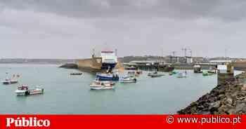 França e Reino Unido mobilizaram navios-patrulha para responder à disputa pesqueira em Jersey - PÚBLICO