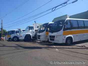 Ibaiti adquire 4 ônibus para transporte escolar – Tribuna do Vale - Tribuna do Vale