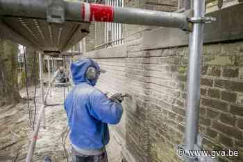 Wankelende kerkhofmuur wordt eindelijk hersteld (Heist-op-den-Berg) - Gazet van Antwerpen