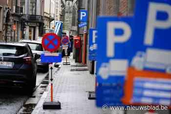 """""""Het oerwoud aan parkeerverboden in Gent raakt maar niet onder controle"""" - Het Nieuwsblad"""