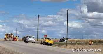 Woman killed, 2 injured in highway crash near Three Hills, Alberta - Global News