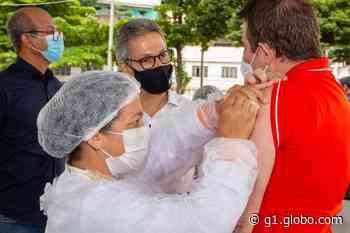 Romeu Zema visita Caratinga e acompanha vacinação no município - G1