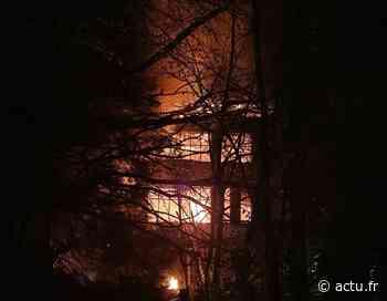 Attichy : l'incendie se déclare dans un bâtiment en face du centre de secours - actu.fr