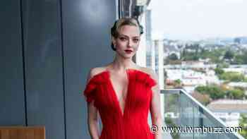 Amanda Seyfried looked like a princess in her red gown at Oscars 2021, Yay or Nay? - IWMBuzz