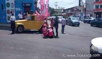 En Santa Lucía, promotora de Fuerza por México cae de vehículo en movimiento – RI Oaxaca - RIOaxaca