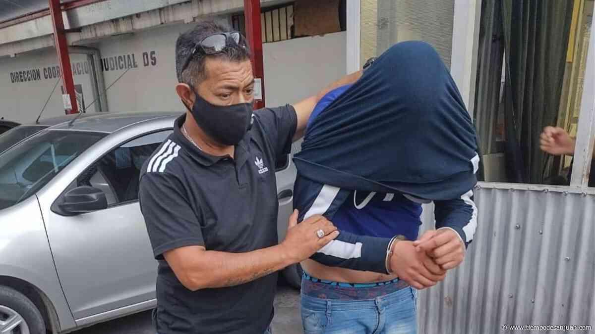 Banda dedicada a asaltar vecinos de zonas alejadas en Santa Lucía: atrapan a dos atacantes - Tiempo de San Juan