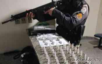 Itaocara: Jovem é preso por tráfico; cocaína, maconha e 'cheirinho de loló' apreendidos na casa do suspeito - Jornal O Dia