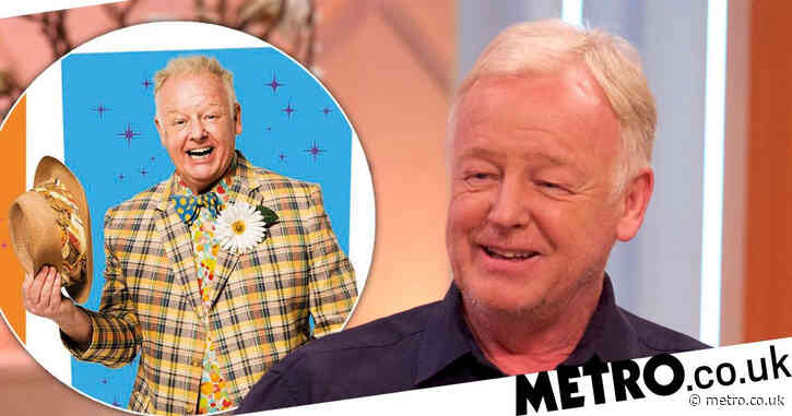 Les Dennis lands role in Hairspray the Musical as it returns to the West End