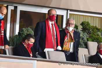 Albert II dénonce l'évocation de la mort de sa mère, en marge d'un match de foot - Paris Match