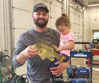 Man snags record title from friend after shooting redear sunfish on Table Rock Lake