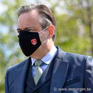 ► Bart De Wever 'geschandaliseerd' door late regels over terrassen: 'Geen sikkepit goesting om dit te handhaven'