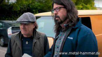 """AC/DC-Frontmann Brian Johnson tritt mit Foo Fighters bei """"Vax Live"""" auf - Metal Hammer"""