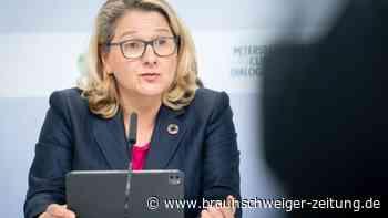 Schulze verteidigt Gesetz: Klimadialog endet mit Solidaritäts-Appell