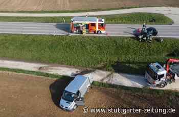 Ispringen im Enzkreis - Zwei Fahrer bei Unfall schwer verletzt – Verursacher flüchtet - Stuttgarter Zeitung