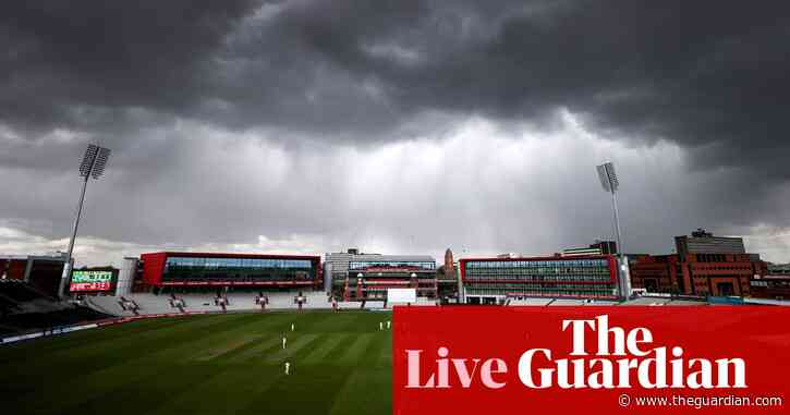 Jimmy Anderson strikes between the showers but Glamorgan hold firm