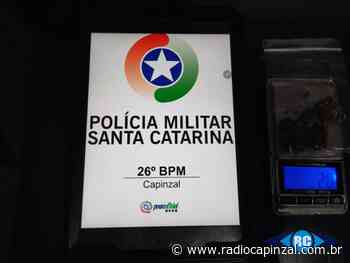 PM flagra condutor sem habilitação e apreende porção de maconha em Capinzal - Rádio Capinzal