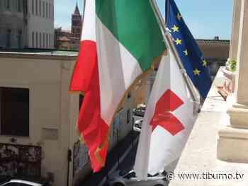 Tivoli - La Rocca Pia si accende di rosso - Tiburno.tv Tiburno.tv - Tiburno.tv
