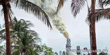 Fumarola en la Planta Catalítica 1 en refinería de Salina Cruz - El Imparcial de Oaxaca