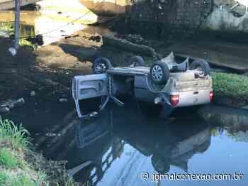 Carro cai em rio no Monte Verde, após perseguição pela PM em Florianópolis - Jornal Conexão Comunidade