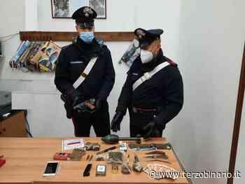 Trovato con droga e armi in casa tra cui una bomba - TerzoBinario.it