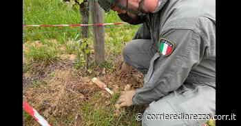 Cortona, riaffiorano ordigni della seconda guerra mondiale: proiettile da artiglieria e bomba da mortaio, intervento degli artificieri - Corriere di Arezzo