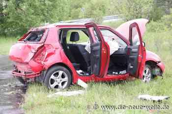 Auto überschlägt sich bei Stutensee - Fahrer wird schwer verletzt - die neue welle