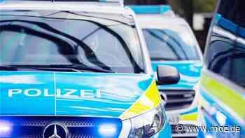 Verkehrsunfall : Ferrari und Mercedes Kleintransporter kollidieren auf A9 bei Beelitz - 54.000 Euro Sachschaden - moz.de