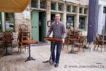 """Ook oudste café van Gent is klaar voor de heropening: """"Klanten willen strijkplank gebruiken als tafels allemaal volzet zijn"""""""