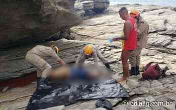 Homem morre ao cair de pedras na Praia das Conchas, em Cabo Frio - Jornal O Dia