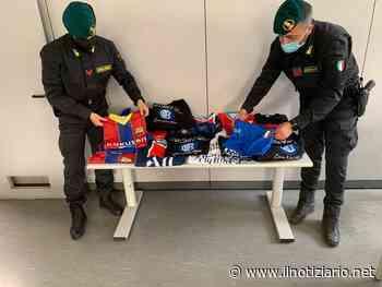 Maglie false dell'Inter, del Barcellona, del Real e del Psg sequestrate a Trezzano dalla Finanza - Il Notiziario