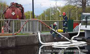 Le Boat vessel confirmed as source of diesel spill in Smiths Falls section of the Rideau Canal - Ottawa Valley News