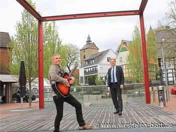 Auftakt der Mathildenplatz-Konzerte in Enger: Musik mit Jens Kosmiky online: Rudelsingen im eigenen Wohnzimmer - Enger - Westfalen-Blatt