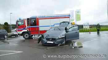 Glück im Unglück bei Unfall an Kreuzung in der Bobinger Siedlung - Augsburger Allgemeine