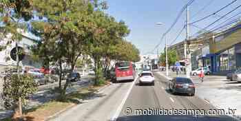 Carro colide com poste na Avenida Francisco Morato - Mobilidade Sampa