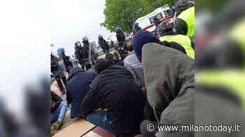 Ci sono stati scontri fuori dalla Fedex di Peschiera Borromeo - MilanoToday.it