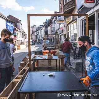 Als federale regering eigen coronaregels niet kent: plexiglas op terrassen tegelijk toegelaten én verboden
