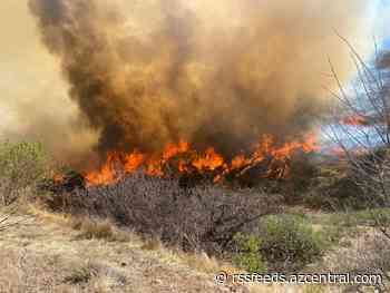 Copper Canyon Fire burns 1,500 acres, prompts closure of US 60 near Globe