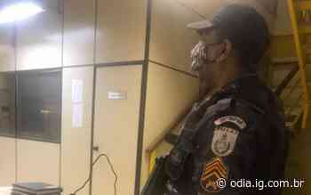 Criminosos são presos com drogas e arma em Duque de Caxias - Jornal O Dia