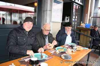 Terrassen in Sint-Niklaas openen in stijl: van spek met eieren tot een heerlijke Duvel