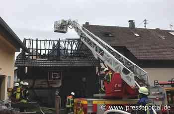 FW-OG: Ökonomiegebäude abgebrannt - Wohnhäuser bleiben unversehrt